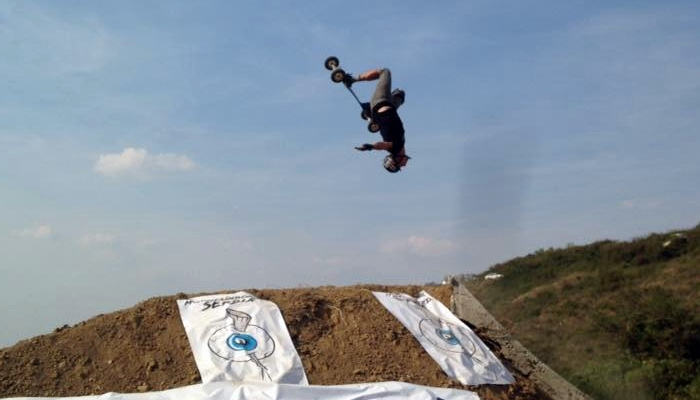 mountainboarding04 jpg